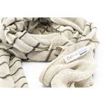 Clio, foulard tricoté, 95% lin et 5% mérinos avec teinture végétale