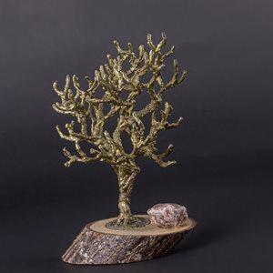 Baby, arbre de métal soudé sur base en bois
