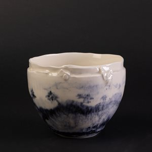 Porcelain bowl decorated with Chinese ink, small format