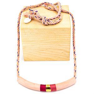 Necklace of natural fiber and ceramic decorated with gold