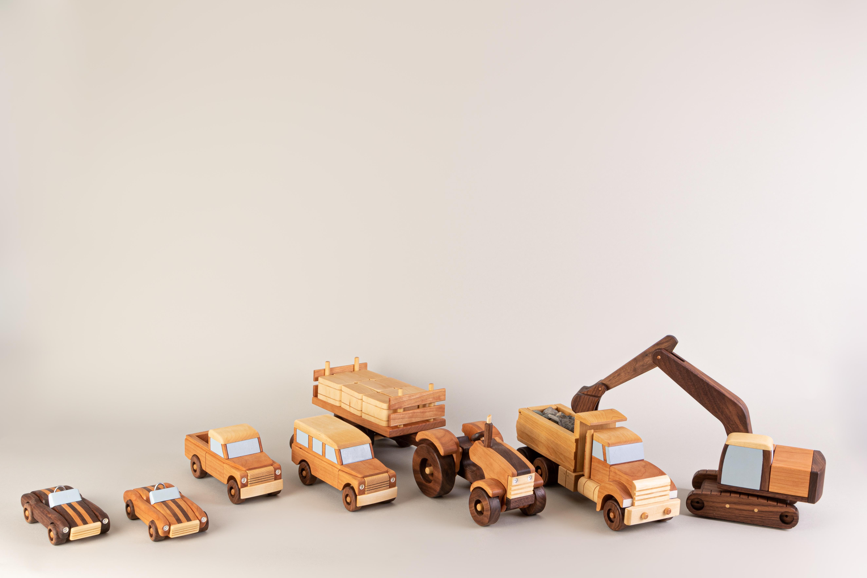 Collection de jouets en bois de l'artiste Dominique Laroche